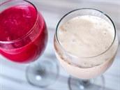 Smoothies jsou husté nápoje z rozmixovaného ovoce a zeleniny.