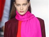 Klasická podzimní móda je tmavá a neutrální. Nadcházející sezona bude ov�em...