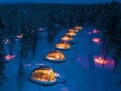 Igloo Village Kakslauttanen (Laponsko, Finsko). Polární zá�i zde m�ete...