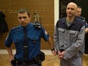 Martin Csavoj je ob�alován z vra�dy a hrozí mu a� výjime�ný trest.
