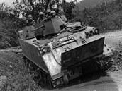 Dlouh� l�ta slu�by M113 vedla k vytvo�en� mnoha variant. Na sn�mku je �prava...
