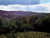 Cestou na nejvyšší bod trasy se otevírají nádherné výhledy.