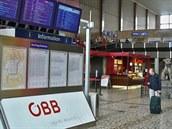 Původní stanici z 19. století proměnily v  dubnu 1945  spojenců  v trosky....