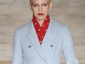 Pastelově modrý kabát Matthew Williamson, kolekce podzim - zima 2014/2015