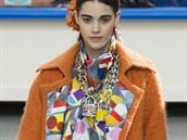 Oranžový maxi kabát se vzorovanou podšívkou Chanel, kolekce podzim - zima...