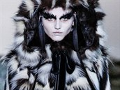 Kožešinový kabát Alexander McQueen, kolekce podzim - zima 2014/2015