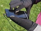...a lze s nimi ovládat chytrý telefon!