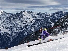 Mikaela Shiffrinová v prvním kole obřího slalomu v Söldenu.