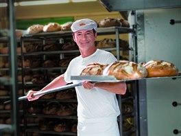 Místní pekárna peče chleba z kvásku.