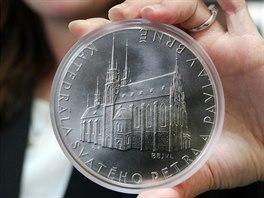 Mince s motivem brn�nsk� katedr�ly svat�ho Petra a Pavla v�� p�l kilogramu,...