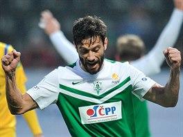 Daniel Silva Rossi (uprost�ed), z�lo�n�k Jablonce, se raduje z prvn�ho g�lu...