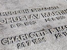 Deska na hrobě Bohuslava Martinů.