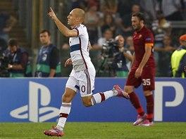 ZAČÁTEK DEBAKLU. Arjen Robben z Bayernu Mnichov se raduje z gólu proti AS Řím.