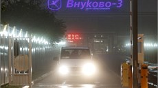 Na moskevském leti�ti Vnukovo se srazilo soukromé letadlo se sn�ným pluhem