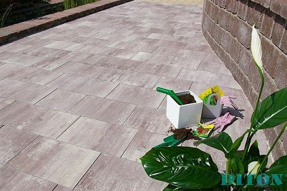 Betonové dlažby DITON PAVÉ se vyrábějí ve dvou provedeních. Vybírat si můžete...