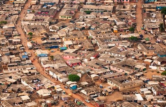 Slumy okolo Accry jsou podle úřadů velkým problémem. Jejich zničení však podle...
