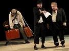 Divadlo Petra Bezruče uvádí hru Čekání na Godota. Na snímku zleva: Michal...