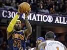 LeBron James z Clevelandu v utk�n� proti New York Knicks.