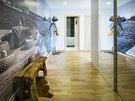 Vstup do bytu: velká fotografie prozrazuje, že majitelé mají blízko k vbodním