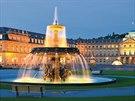 Neues Schloss neboli Nový zámek je krásný, romantický a dnes již starý monument.