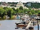 Podolský přístav. Původně sloužil pro vory, to se změnilo na přelomu 19. a 20....