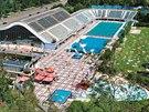 Plavecký bazén. Kromě plavání se v Podolí dá zaběhnout i do fitness-centra nebo...