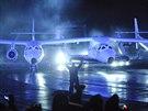 Vesm�rn� lo� SpaceShipTwo i se speci�ln�m letadlem, kter� lo� vyn�elo do...