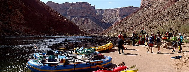 Tábo�i�t� v kempu Soap Creek. Na splutí Grand Canyonu m�la výprava t�i týdny.