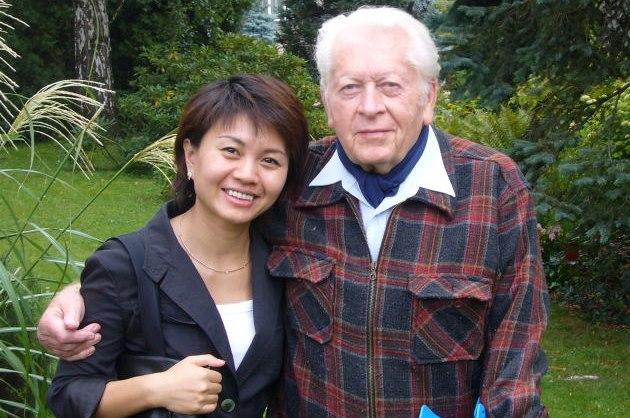 Zden�k Miler s �ínskou re�isérkou ZengWeijing b�hem její náv�t�vy v �esku