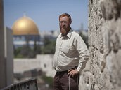 Izraelský pravicový aktivista Jehuda Glick na archivním snímku. V pozadí Skalní...