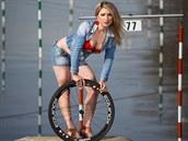Judita Lorencov� v kalend��i �esk�ch cyklistek pro rok 2015