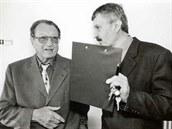B. J. Horá�ek (vlevo) s n�kdej�ím �editelem Obchodní akademie a Hotelové �koly...