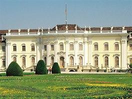 Ludwigsburgsk� zahrady jsou upraven� s neuv��itelnou pe�livost�.