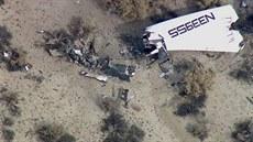 Trosky vesmírné lodi SpaceShip Two, která se z�ítila v Mohavské pou�ti. (31....