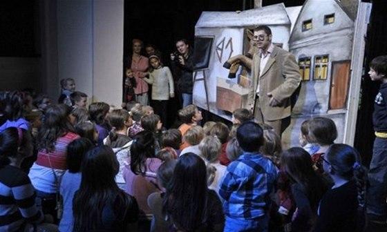 Program Noci divadel mysl� i na nejmen�� n�v�t�vn�ky