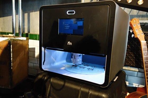 Prototyp tiskárny potravin vypadá velmi podobně, jako běžná 3D tiskárna.
