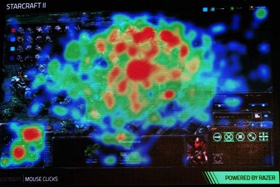 """Heatmapa """"klikání"""" myši Razer u hry Starcraft II."""