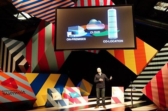 """Cloud a """"infrastruktura jako služba"""" patřily mezi hlavní témata na """"enterprise"""" pódiu."""