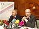 Premi�r Bohuslav Sobotka a ministr vnitra Milan Chovanec Foto je z listopadu, kdy spolu p�edstavili speci�ln� po�tovn� zn�mku.