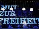 Text �odvaha pro svobodu� byl prom�t�n p�ed Braniborskou br�nou, N�mecko si p�ipom�lo 25 let od p�du Berl�nsk� zdi (9. listopadu 2014).