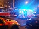 Tramvaj v pražské Olšanské ulici přejela v kolejišti ležící ženu, ta těžkým zraněním podlehla. (5.11.2014)