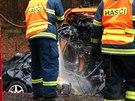 Řidič osobního vozu se nedaleko Rakovníka střetl čelně s projíždějícím nákladním autem, nehodu nepřežil (7.11.2014)