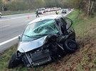 Tragická nehoda na silnici I/3 u Votic si vyžádala dva lidské životy, další...
