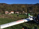 V Jeseníku se zřítil větroň, pilot si poranil páteř (2. listopadu 2014).