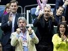 Finále Fed Cupu navštívil i podnikatel Tomáš Chrenek (v dolní řadě vlevo).