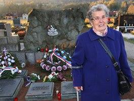 Miroslava Ka�tovsk�, dcera state�n�ho Jind�icha Tk��e, kter� byl za pomoc partyz�n�m zabit nacisty.