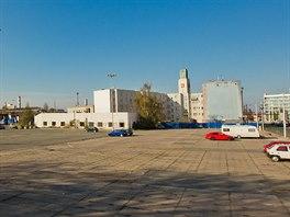 Řidiči od listopadu 2014 už na bývalém autobusovém nádraží Koruna v Hradci Králové nezaparkují.