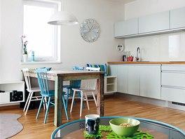 Dětský pokoj navazuje barevně na kuchyni s jídelním koutem.