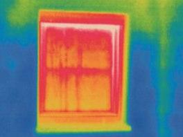 Špatně tepelně izolované okno