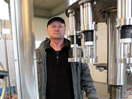 Vinař Bronislav Průdek začal vedle vína prodávat pod značou Tekuté ovoce i...